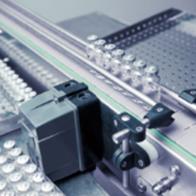 低压伺服电机贴标机应用
